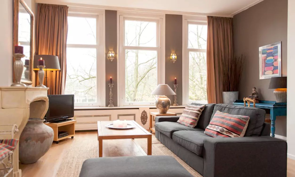 GREAT CENTRAL CANAL BELT APARTMENT