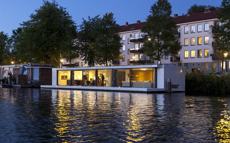 ultra-luxury-house-boat-on-amstel-river-for-4-00018