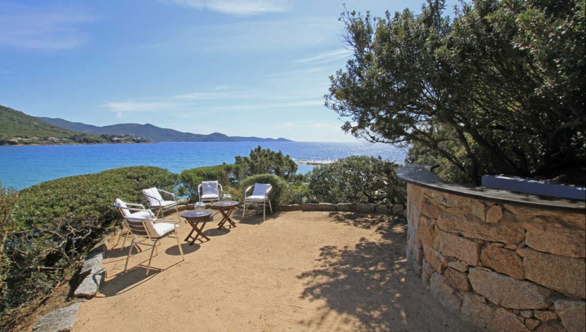00004-WATERFRONT-VILLA-FOR-RENT