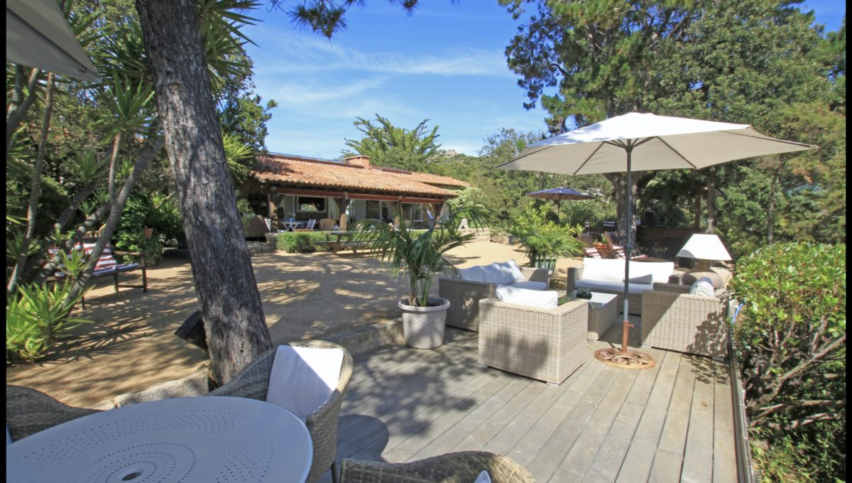 00006-WATERFRONT-VILLA-FOR-RENT