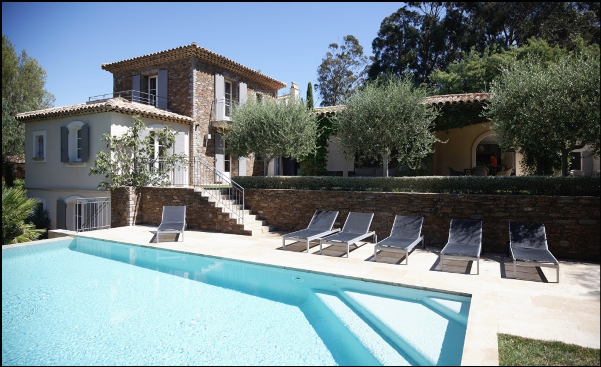 ST. TROPEZ DIRECT ACCESS TO THE SEA
