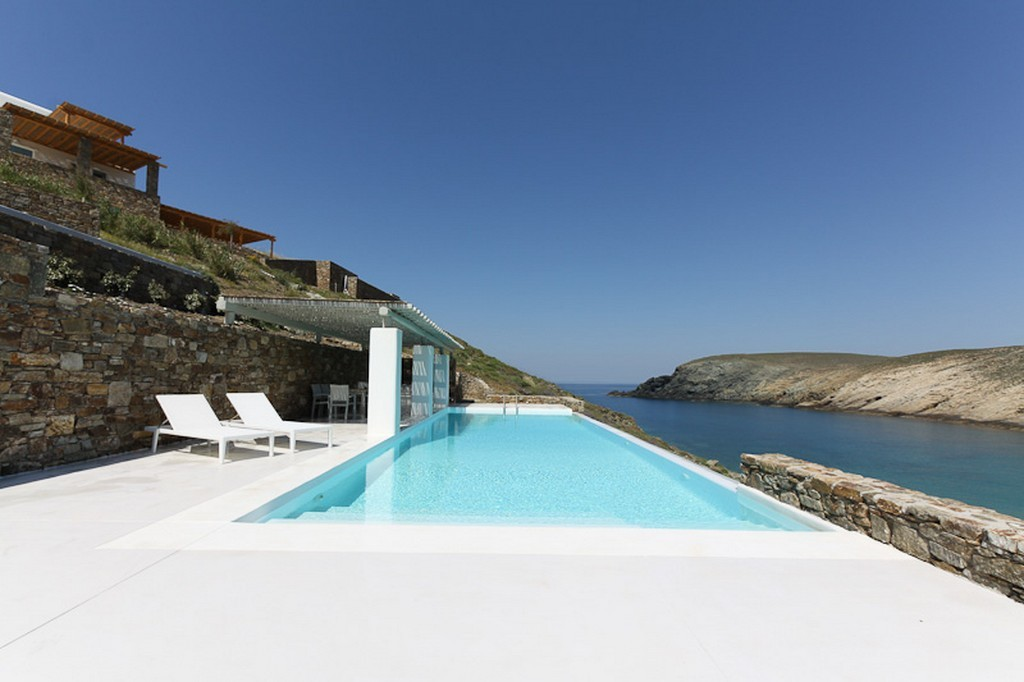 A SIMPLY STUNNING LUXURY SUMMER HOUSE