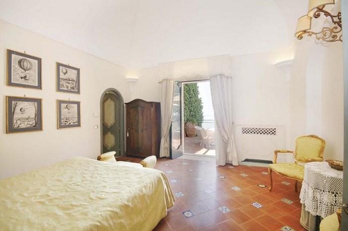 beautiful-villa-positano-amalfi-coast-11.jpg