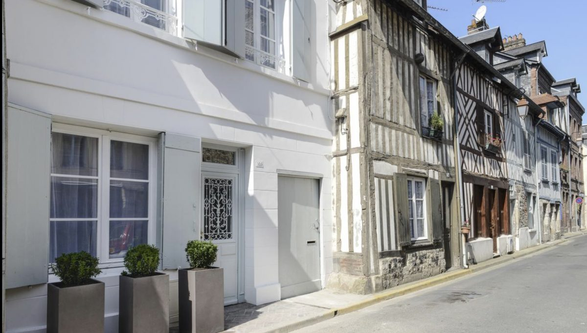 00001-HONFLEUR-TRADITIONAL-HOUSE