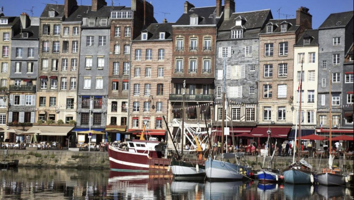 00017-HONFLEUR-TRADITIONAL-HOUSE