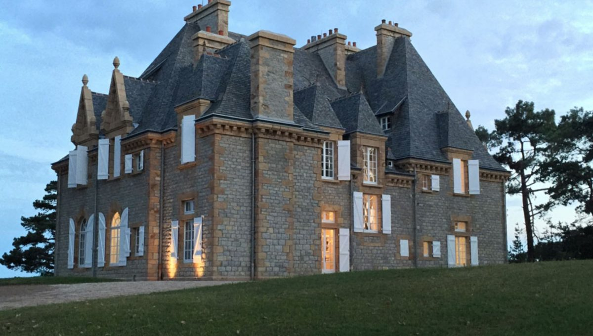 00003-luxe-apartmentsrentals-Beautiful-castle-for-rent-in-Brittany-Finistere