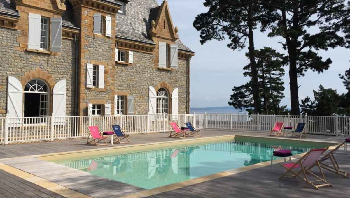 00007-luxe-apartmentsrentals-Beautiful-castle-for-rent-in-Brittany-Finistere