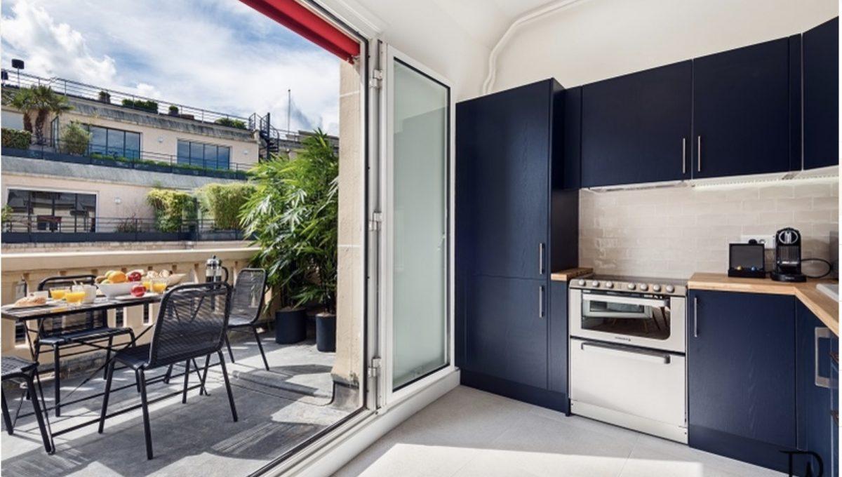 00007-champs-elysees-terrace-view-of-paris