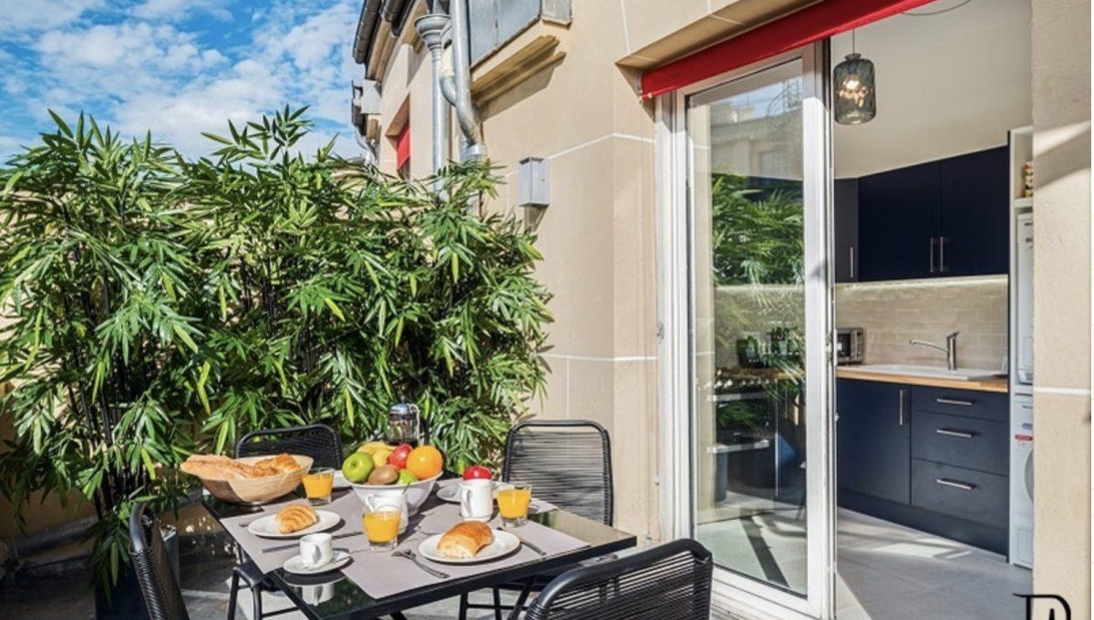 00018-champs-elysees-terrace-view-of-paris