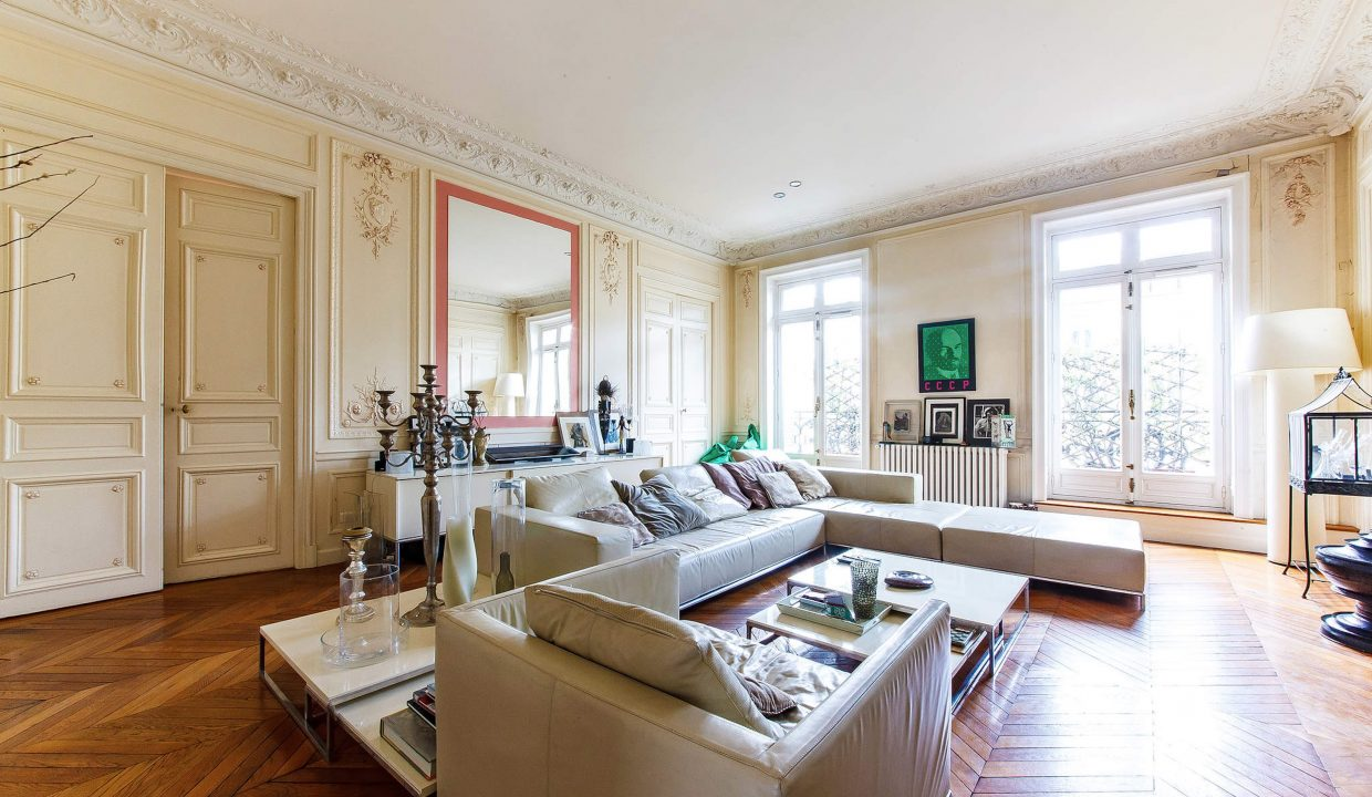 00001-LUXURY-4-BEDROOM-APARTMENT-NEAR-PLACE-VENDOME-AND-LOUVRE