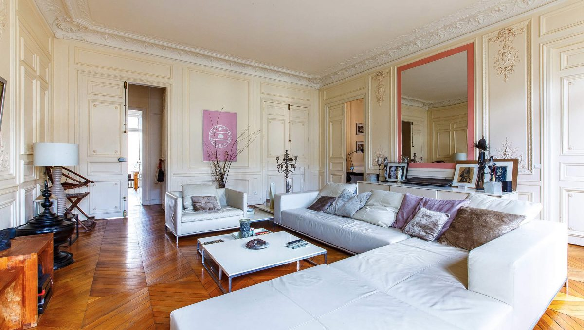 00003-LUXURY-4-BEDROOM-APARTMENT-NEAR-PLACE-VENDOME-AND-LOUVRE