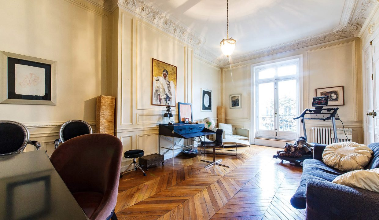 00004-LUXURY-4-BEDROOM-APARTMENT-NEAR-PLACE-VENDOME-AND-LOUVRE