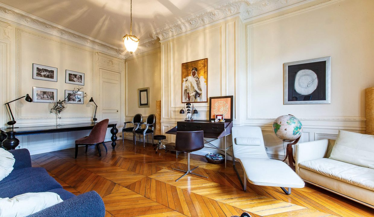 00005-LUXURY-4-BEDROOM-APARTMENT-NEAR-PLACE-VENDOME-AND-LOUVRE