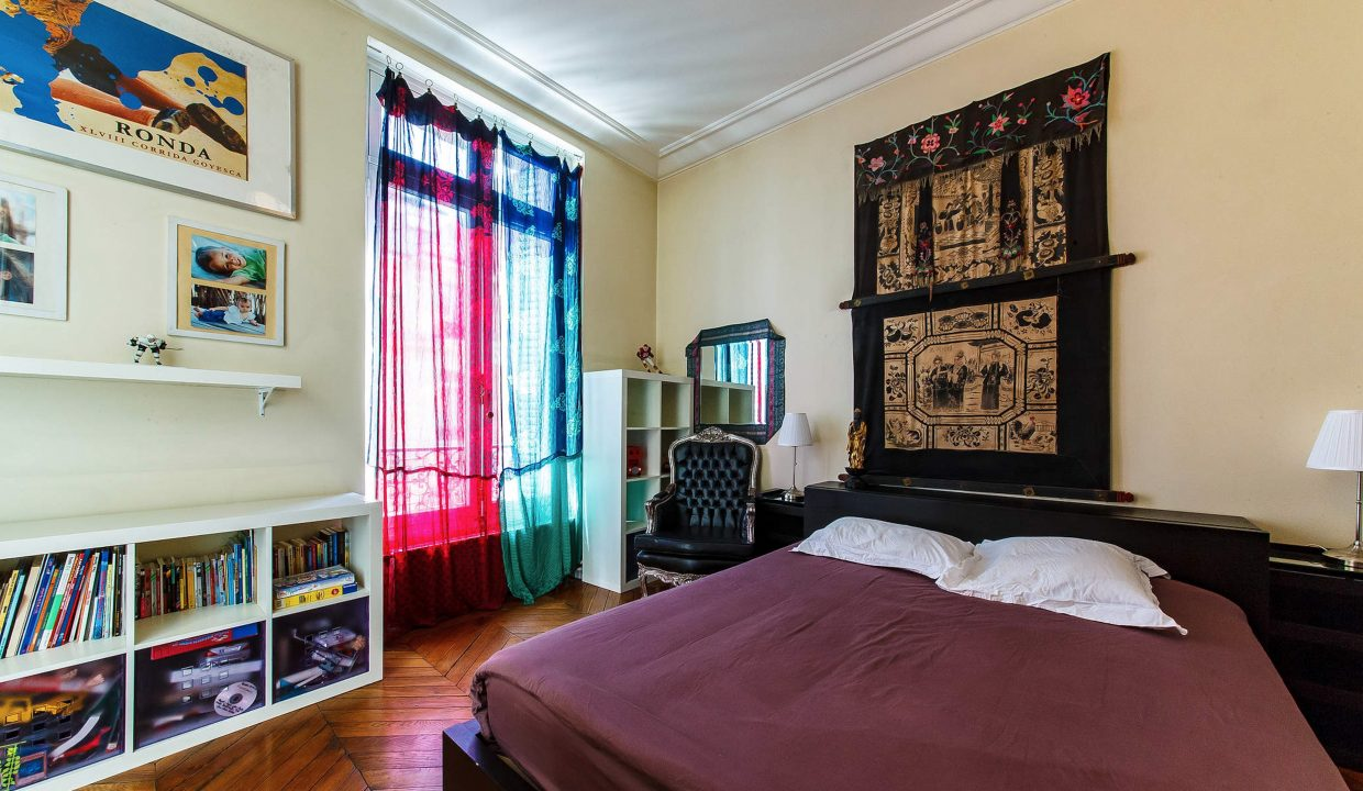 00006-LUXURY-4-BEDROOM-APARTMENT-NEAR-PLACE-VENDOME-AND-LOUVRE