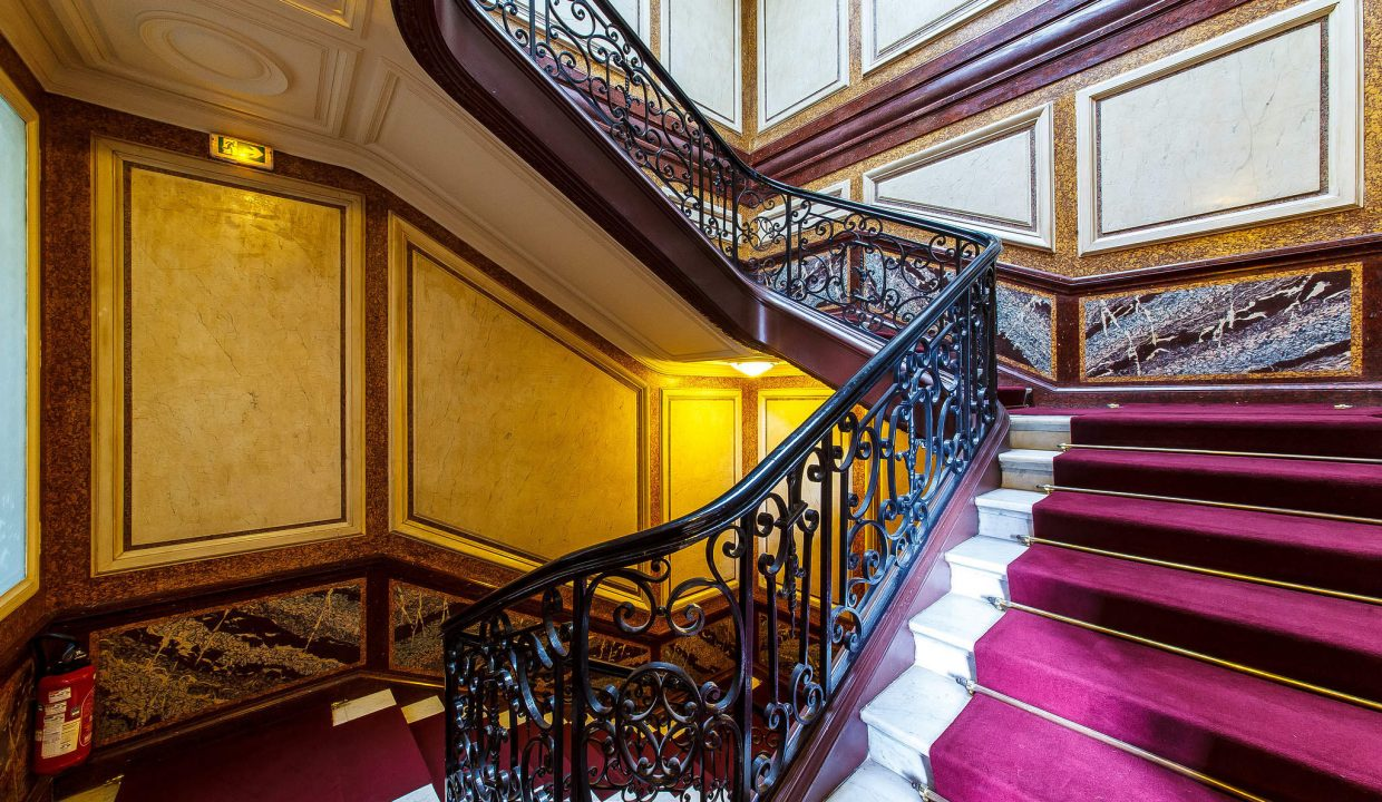 00017-LUXURY-4-BEDROOM-APARTMENT-NEAR-PLACE-VENDOME-AND-LOUVRE