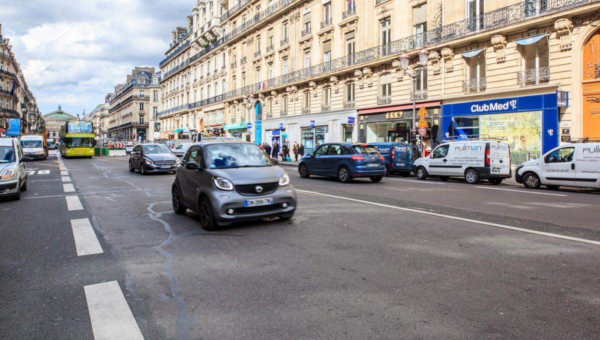 00020-LUXURY-4-BEDROOM-APARTMENT-NEAR-PLACE-VENDOME-AND-LOUVRE
