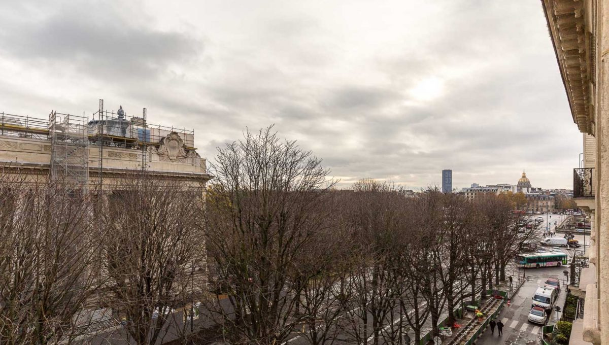 00010-FACING-THE-GRAND-PALAIS-PARIS-