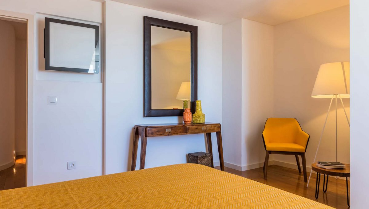 00033LUXURY-LISBON-CENTRAL-APARTMENT-PORTUGAL