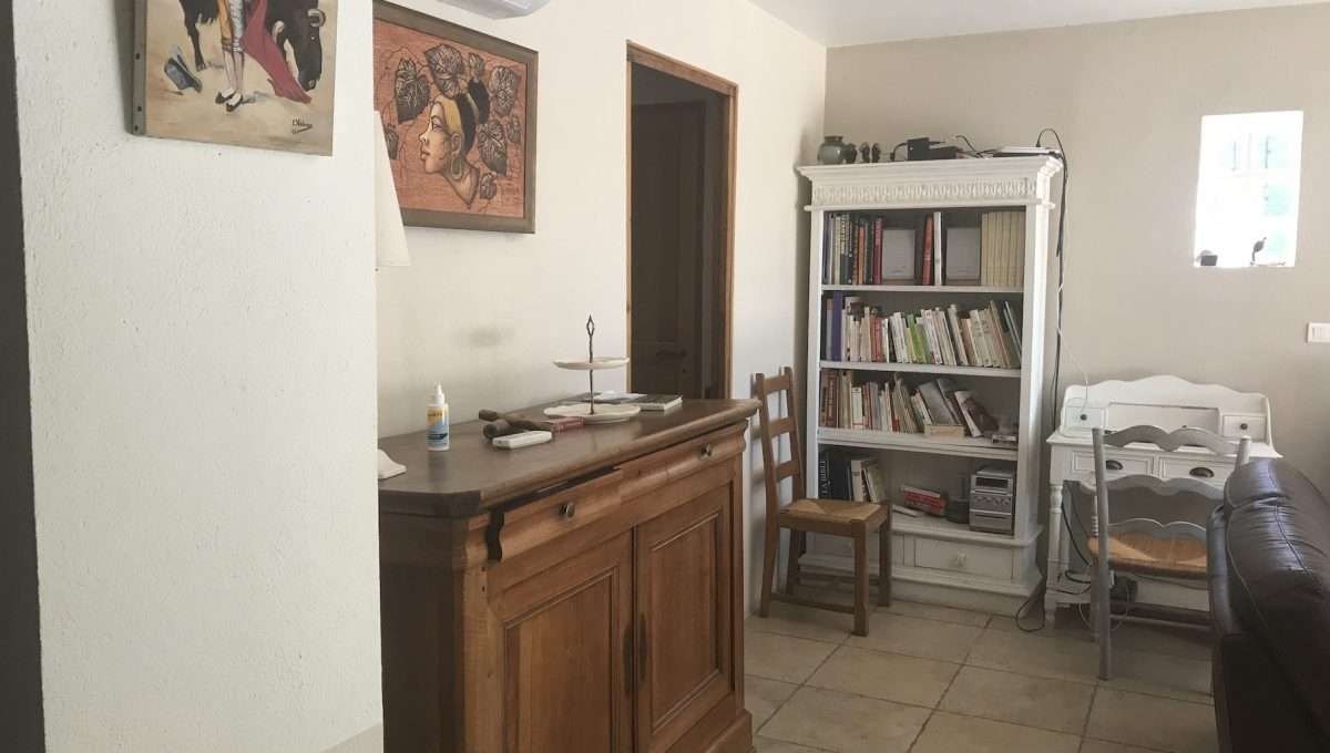 00007-MAS-NEAR-SAINT-REMY-EYGALIERES-TO-RENT-7-PERSONS