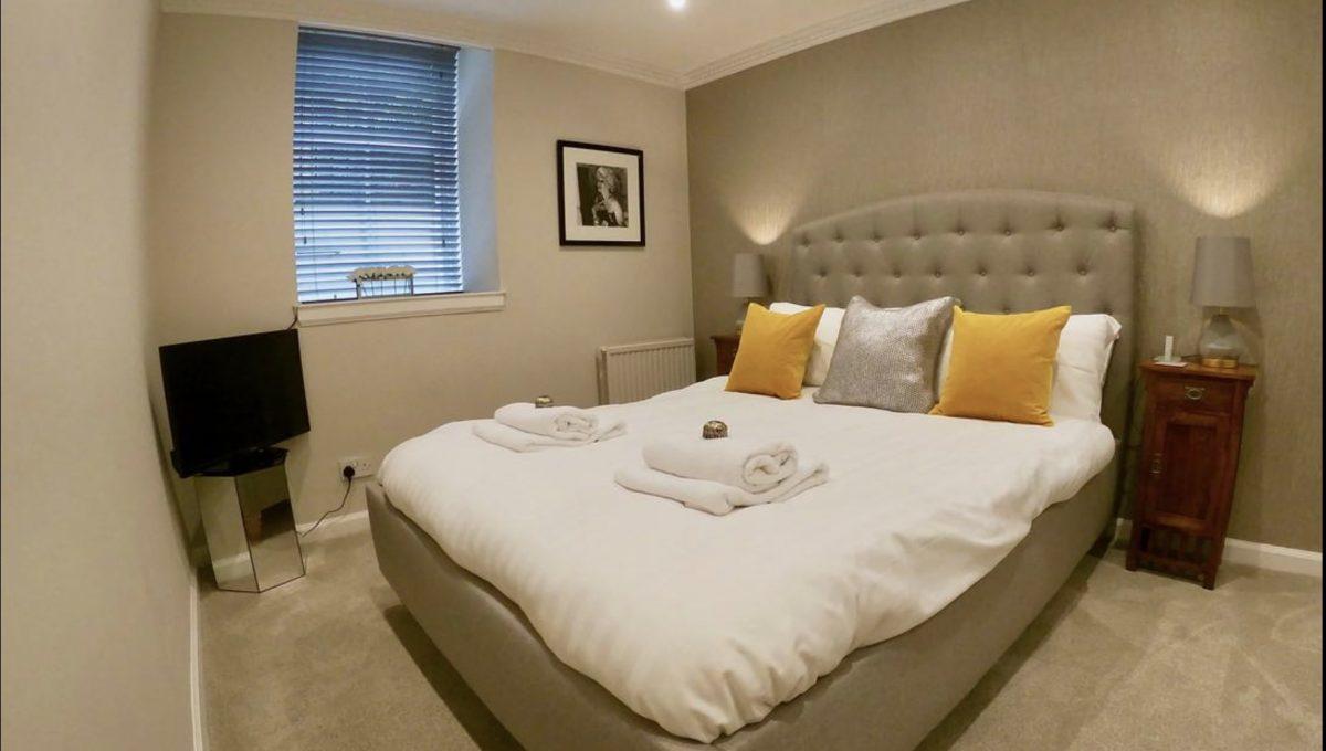 00013-LUXURY-3-BEDROOMS-EDINBURGH
