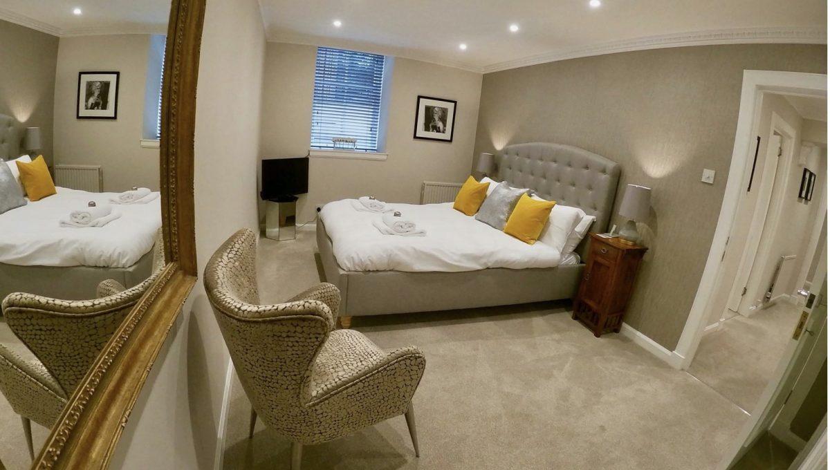 00014-LUXURY-3-BEDROOMS-EDINBURGH