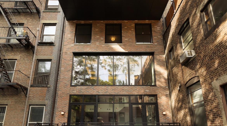 00001-luxe-apartmentsrentals-5-Bedroom-townhouse-in-Hells-Kitchen-NYC