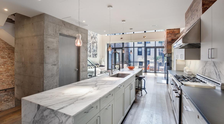 00008-luxe-apartmentsrentals-5-Bedroom-townhouse-in-Hells-Kitchen-NYC
