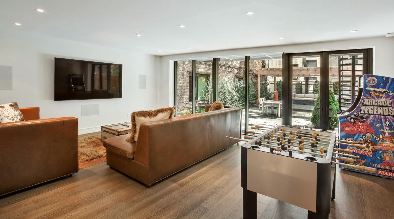 00019-luxe-apartmentsrentals-5-Bedroom-townhouse-in-Hells-Kitchen-NYC