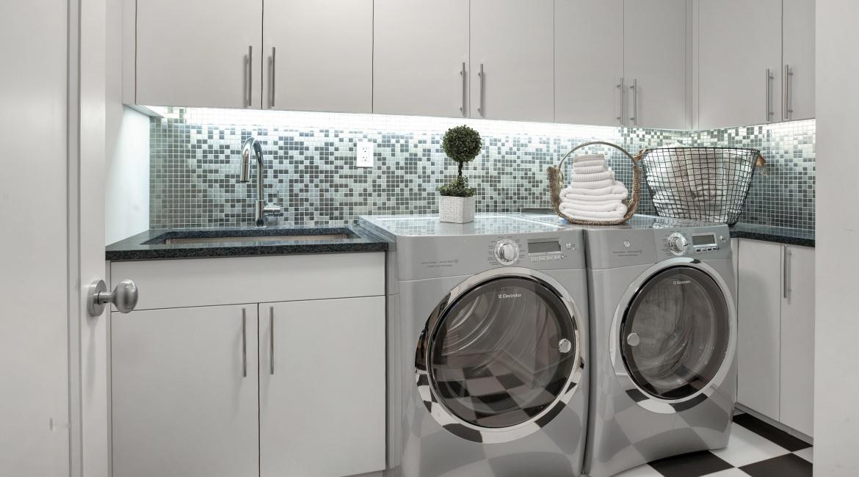 00027-luxe-apartmentsrentals-5-Bedroom-townhouse-in-Hells-Kitchen-NYC